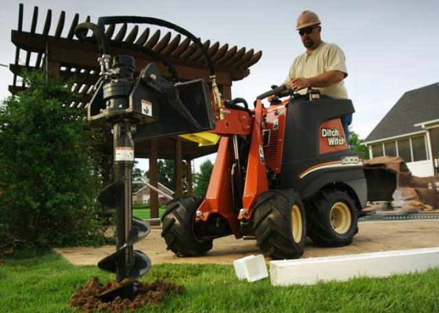 Where to find R300 Zahn Ditchwitch Posthole Digger in Iowa City